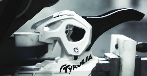 Testing a TYROLIA binding black/white